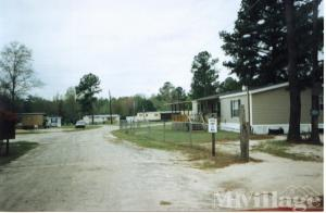 Photo of Lovetts Mobile Home Park, Claxton, GA
