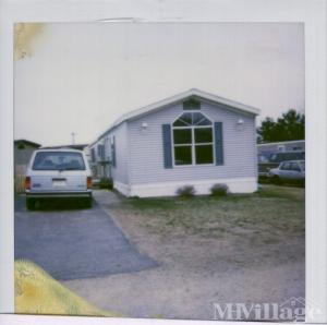 Photo of Woodridge Mobile Home Park, New Richmond, WI