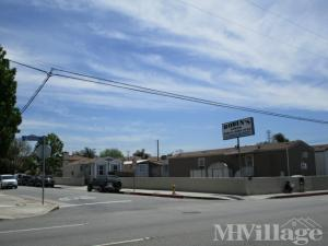 Photo of Robins Mobile Home Park, Bellflower, CA