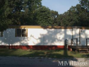 Photo of Pineland Mobile Home Park, Glasgow, VA