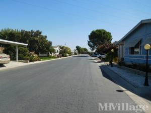 Photo of Highland Knolls Mobile Estates, Bakersfield, CA