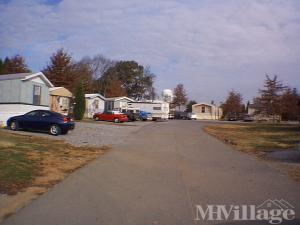 Stupendous Maryville Tn Senior Retirement Living Manufactured And Home Interior And Landscaping Spoatsignezvosmurscom