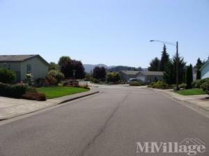 Photo of Foxfield Manufactured Home Community, Lebanon, OR