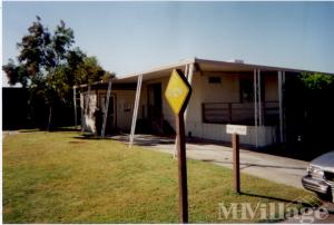 Photo of Leisure Lake Mobile Home Park, Red Bluff, CA