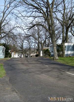 Photo of Royal Oaks Mobile Home Park, Crystal Lake, IL