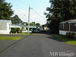Photo of Four Little Acres Mobile Home Park, Campbelltown, PA